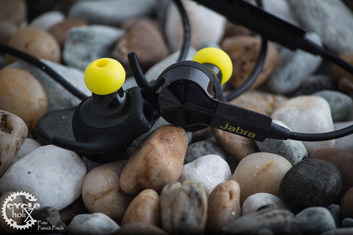 Die Kopfhörer sind sehr hochwertig verarbeitet und lassen sich an die eigene Ohrmuschel anpassen
