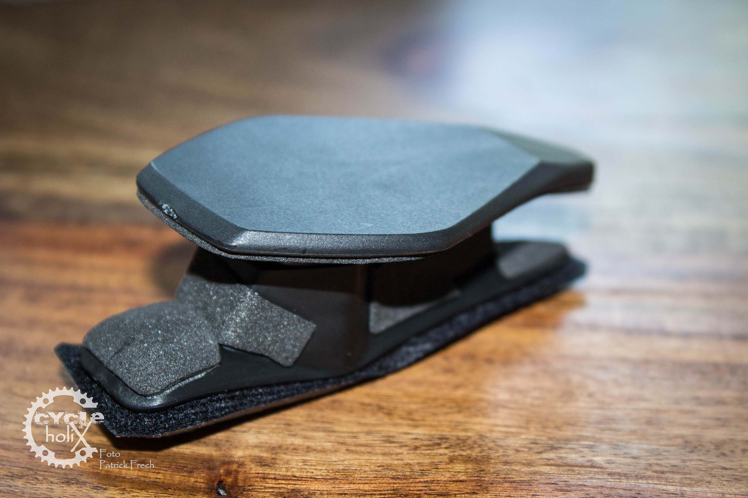 Die Helmhalterung soll für fast alle Modelle eine Plattform zum befestigen bieten