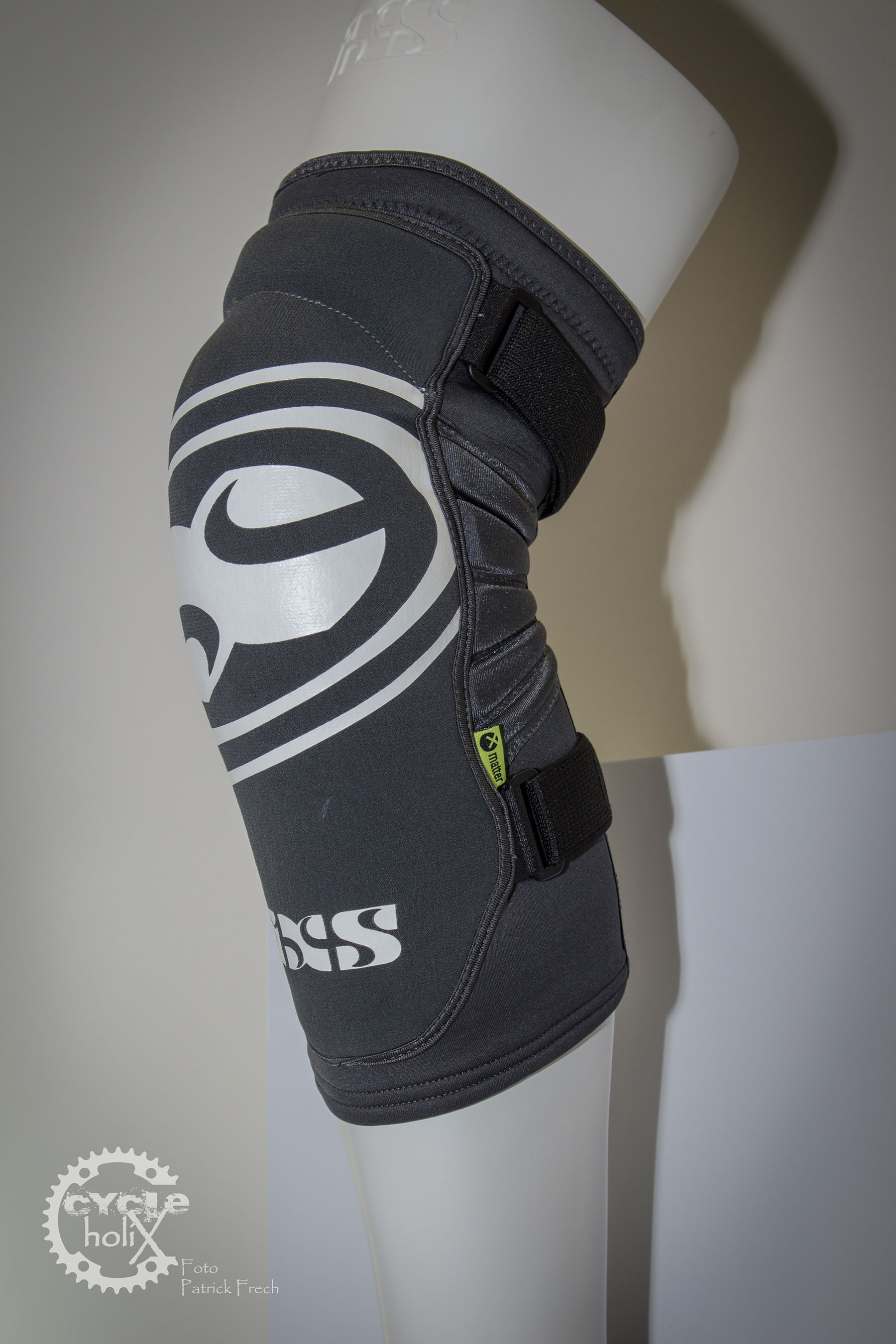Und die Variante für die Knie. Beide kommen mit der X-Matter Protektorentechnologie