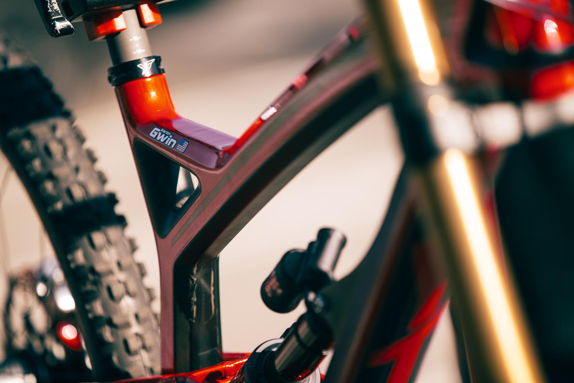 YT-Industries Tues CF Pro - das kommende Siederbike