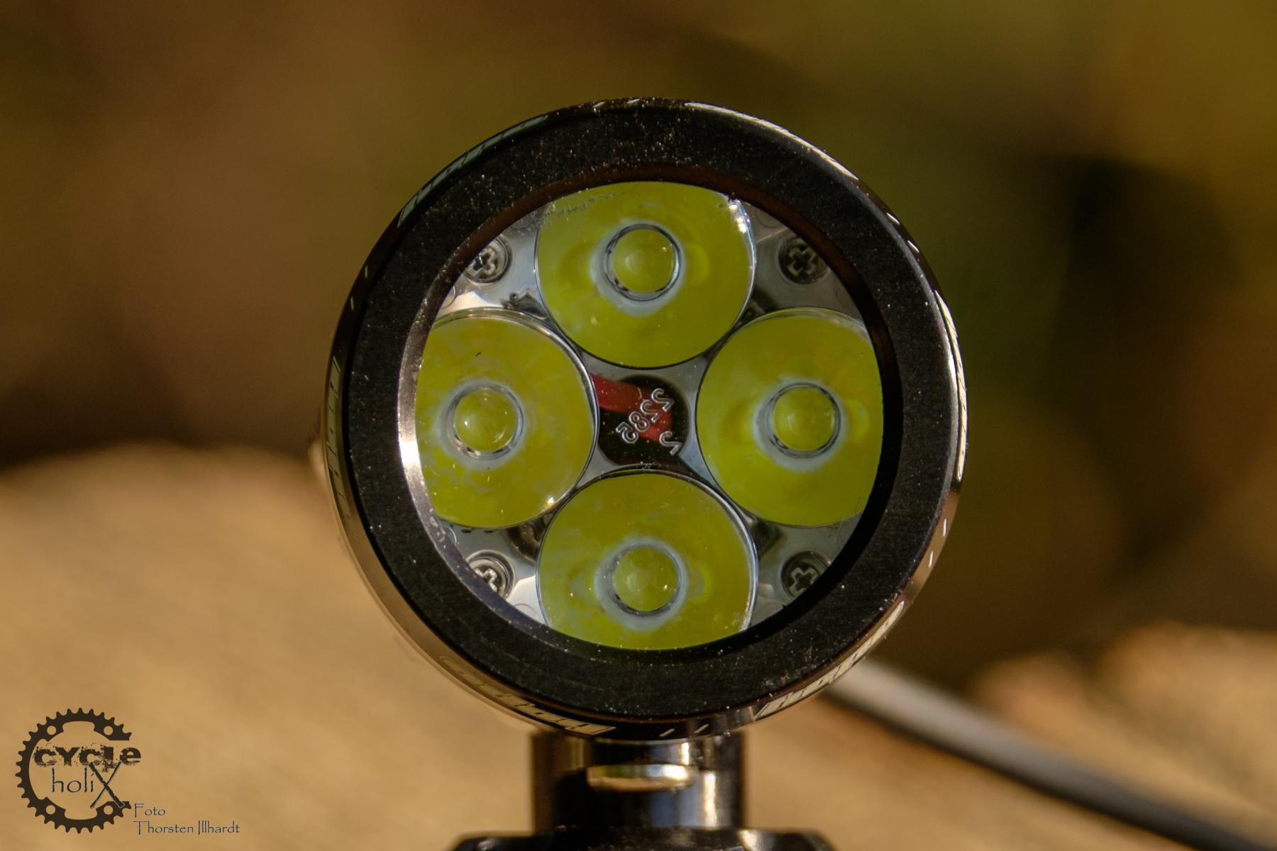 Vier Cree XM-L2 LED