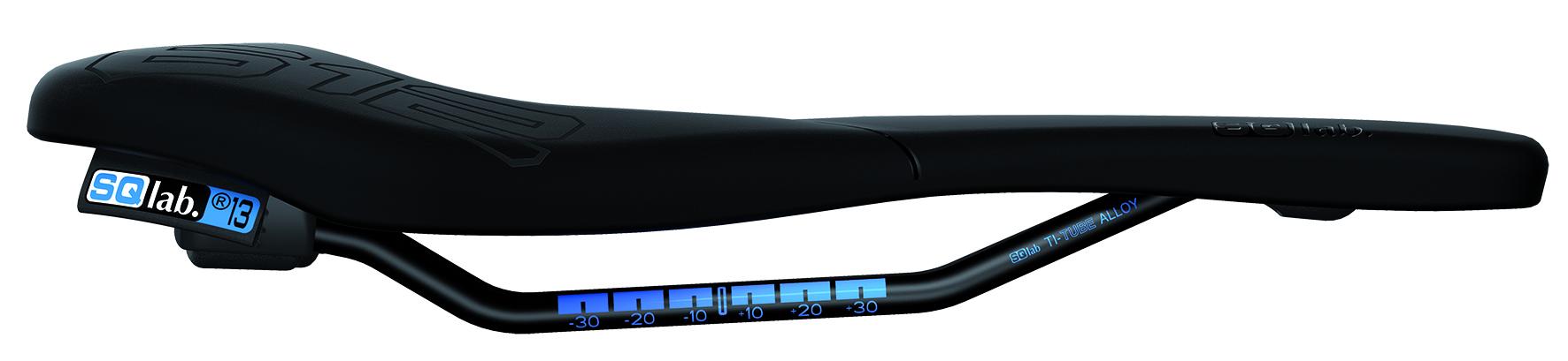 SPORTLICHES HECK - Das hochgezogene Heck ergibt mehr Halt nach hinten und sorgt für eine effizientere Kraftübertragung.