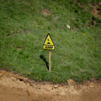 ...und Warnung vor jedem Sprung!