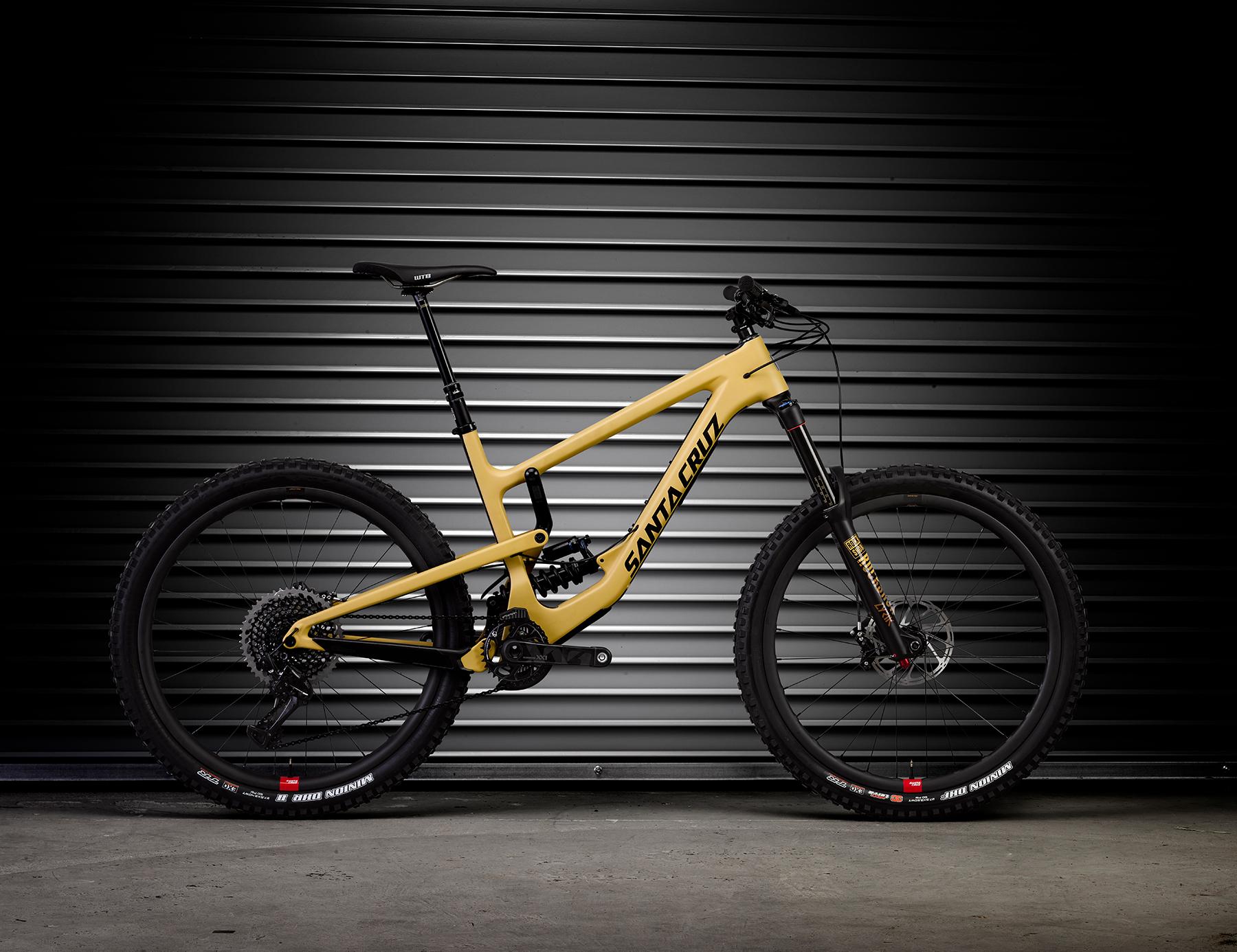Das neue Nomad unterscheidet sich nicht nur optisch deutlich von seinem Vorgänger. Es ist ein komplett neues Bike mit Anlehnungen am V10.