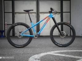 Optisch voll unser Ding! Die Enduro Hardtail Variante des Krowd Carl Bikes.