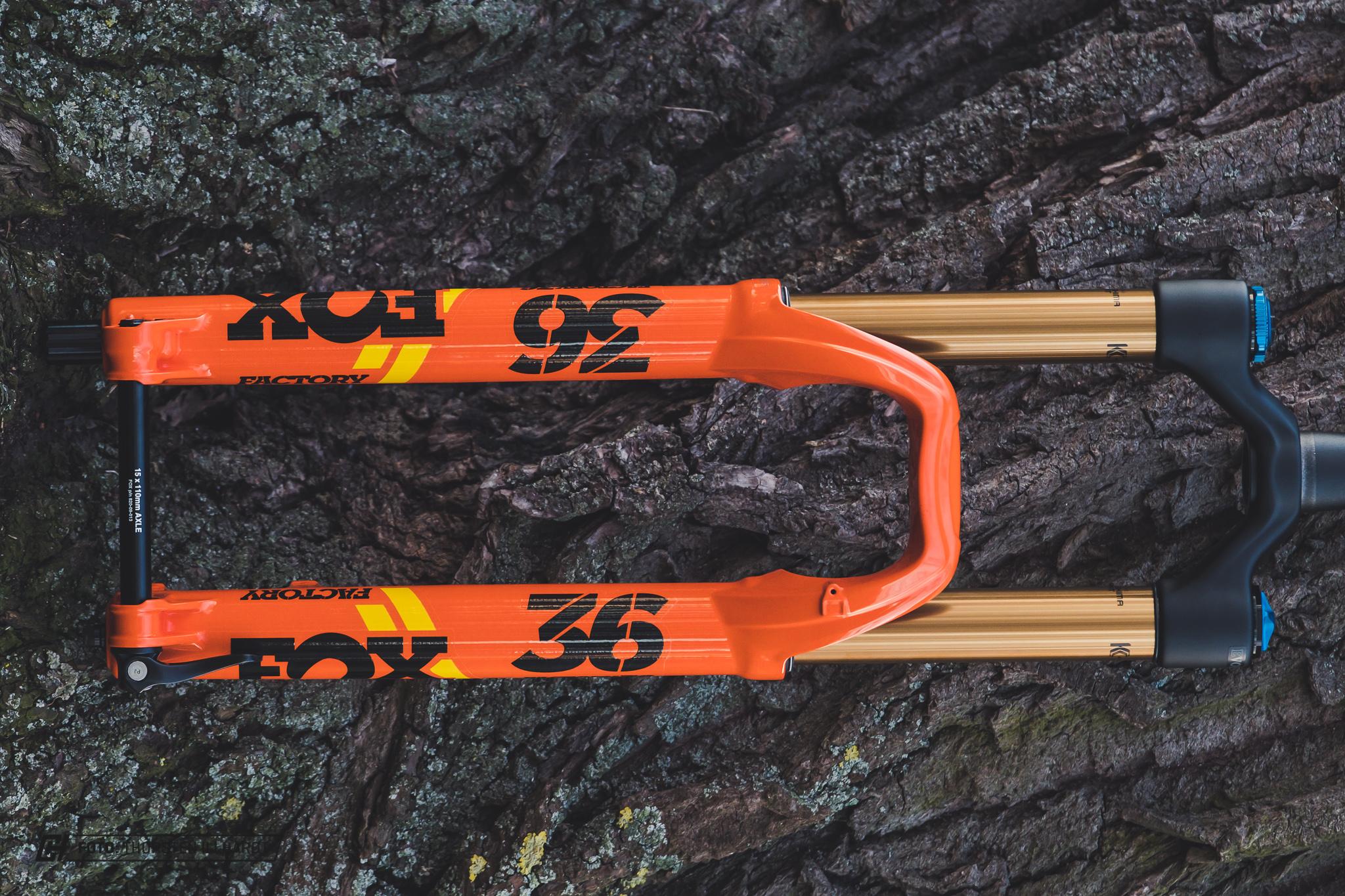 FOX Float 36 Grip2