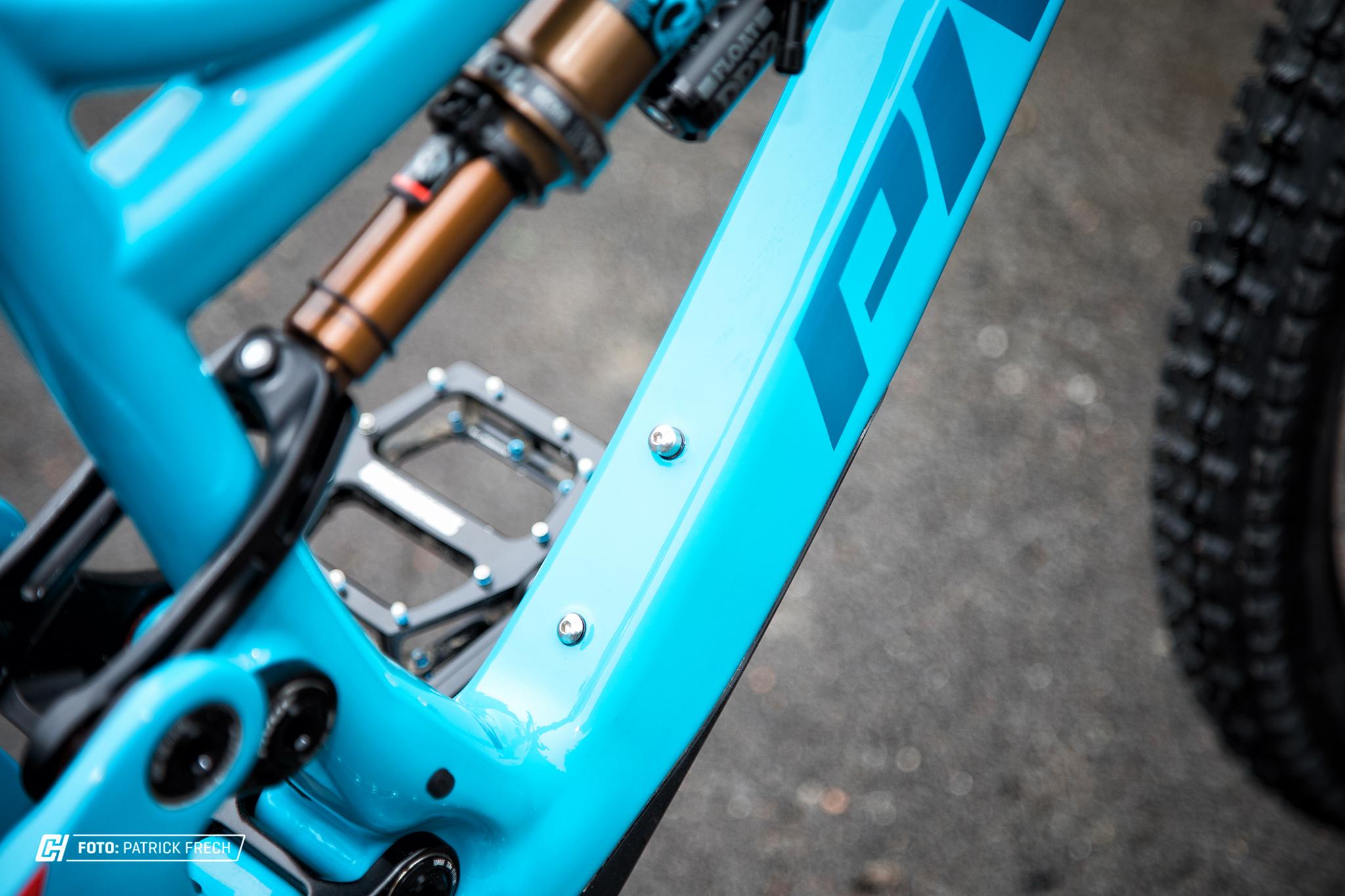 Pivot Mach 6 Carbon - Flaschenhalter-Schrauben
