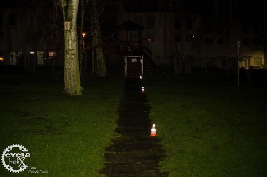 Die angegebenen 100 Meter Leuchtweite werden problemlos erreicht