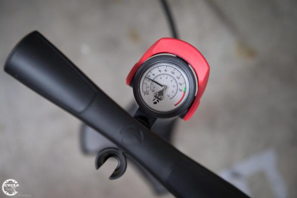 Bontrager Flashcharger Reifendruck