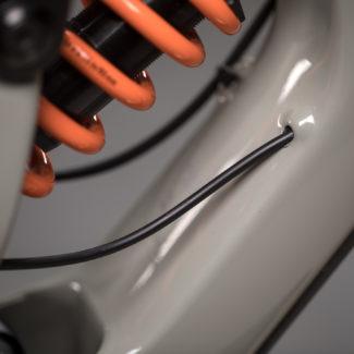 V10 29 details 004