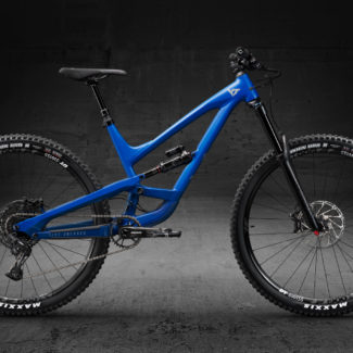 01 CAPRA29 AL Base Twotone Blue Seite Cycleholix