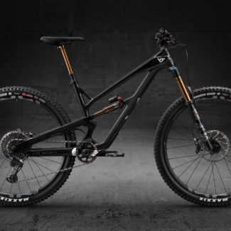 02 JEFFSY29 CF Pro Race Black Magic Seite