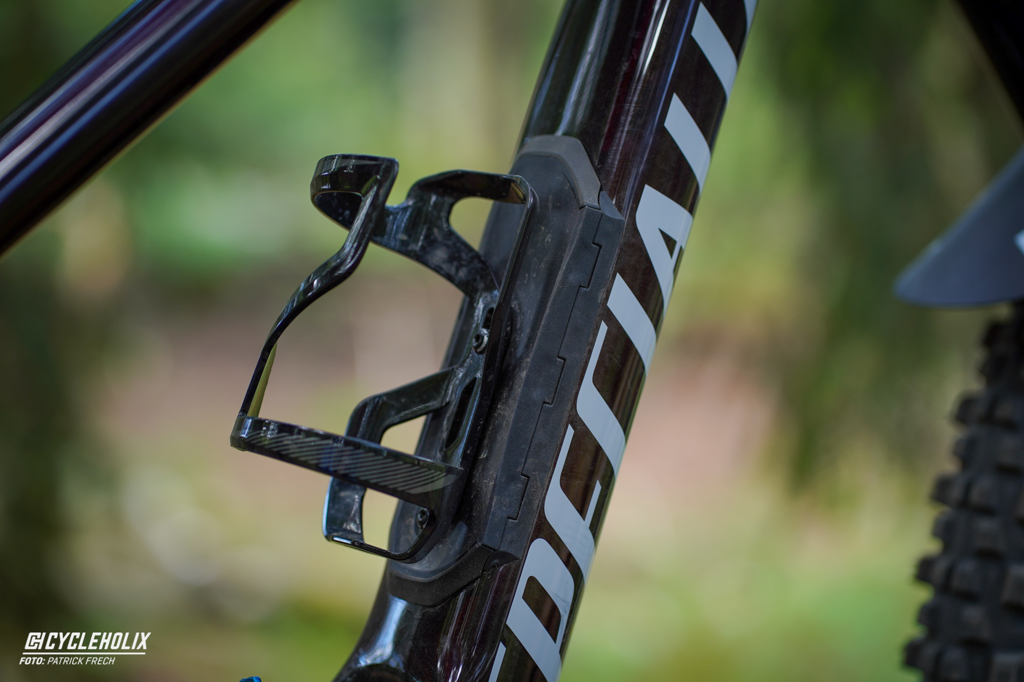 Specialized Enduro Expert 2020 - SWAT Bottle Cage