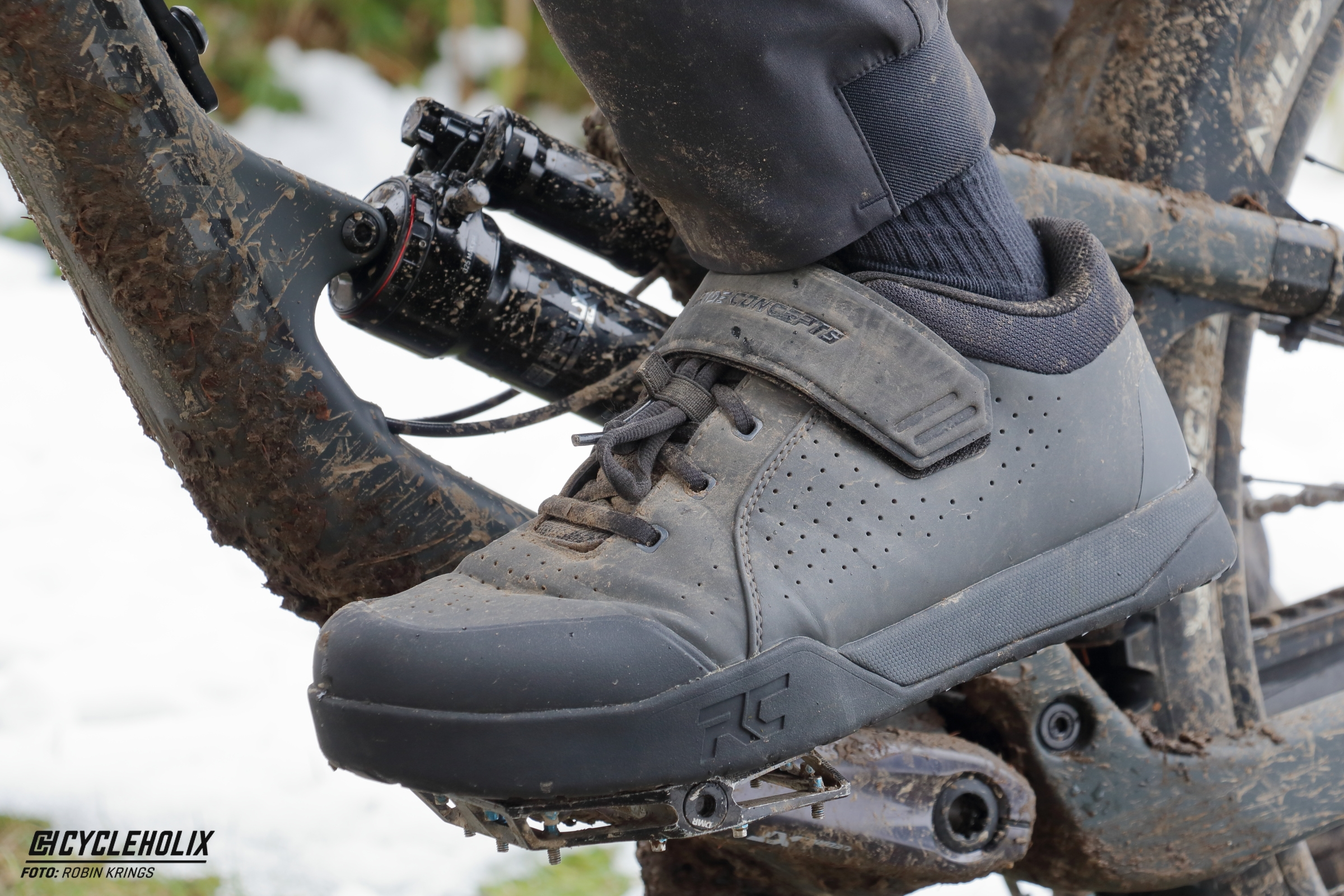 Ride Concepts TNT - Cycleholix_Pedal2