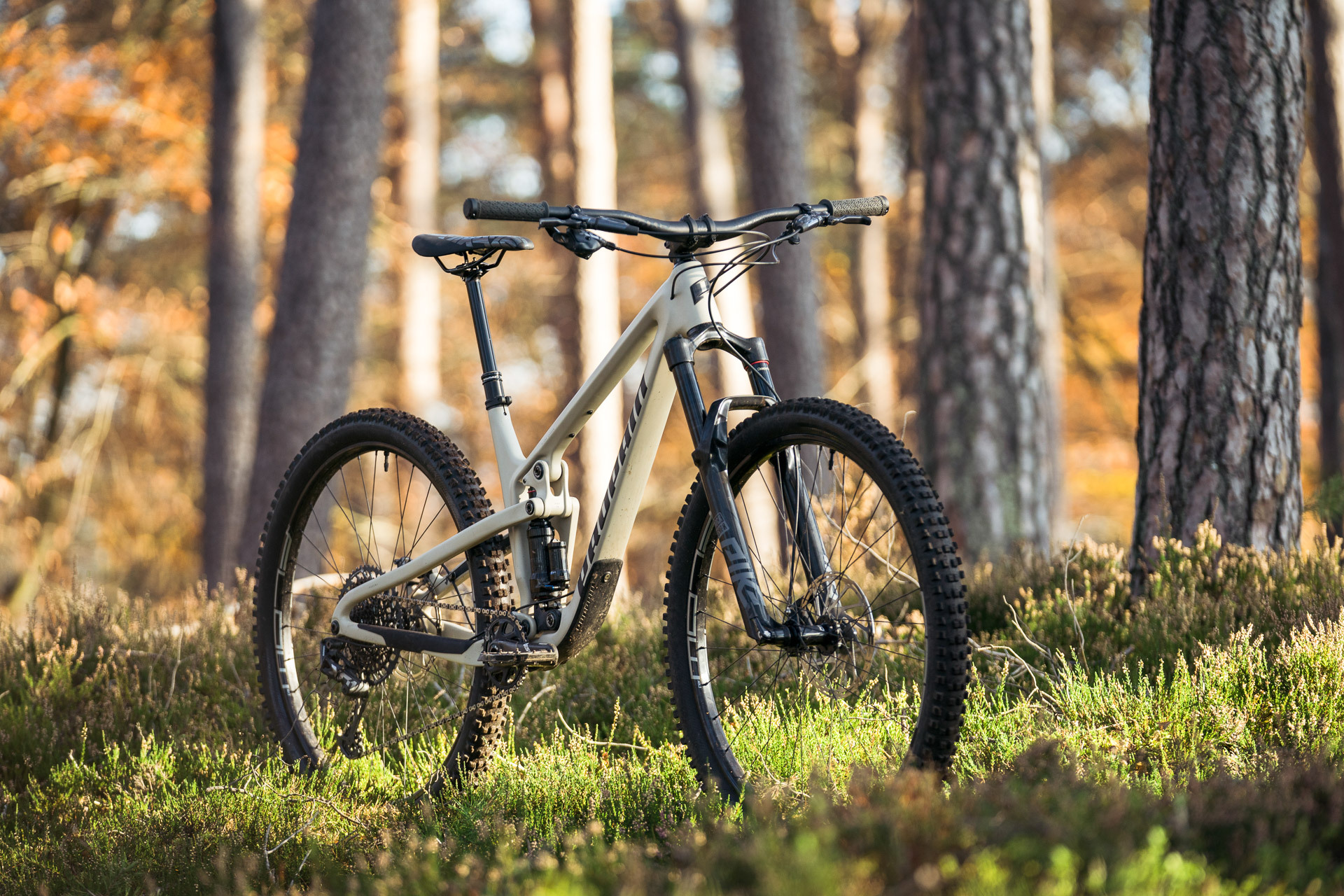PROPAIN Hugene CF 2021 Action Still Safari Front Cycleholix