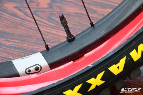 Tannus Armour Tubeless Cycleholix 2925 Cycleholix Cycleholix