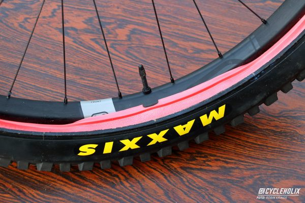 Tannus Armour Tubeless Cycleholix 2932 Cycleholix Cycleholix