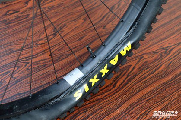 Tannus Armour Tubeless Cycleholix 2948 Cycleholix Cycleholix