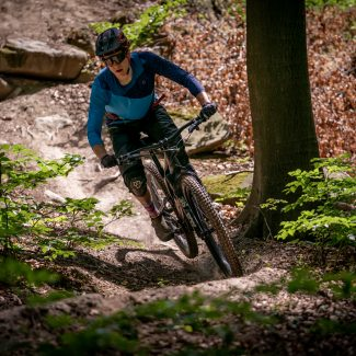 specialized stumpjumper evo 2021 action 19 Cycleholix