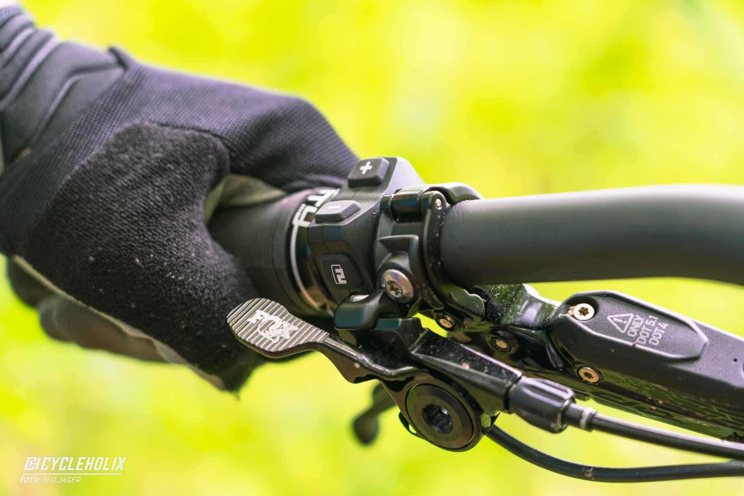 SpecializedTurboLevo Action 21 scaled Cycleholix